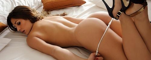 young angelina jolie naked vagina