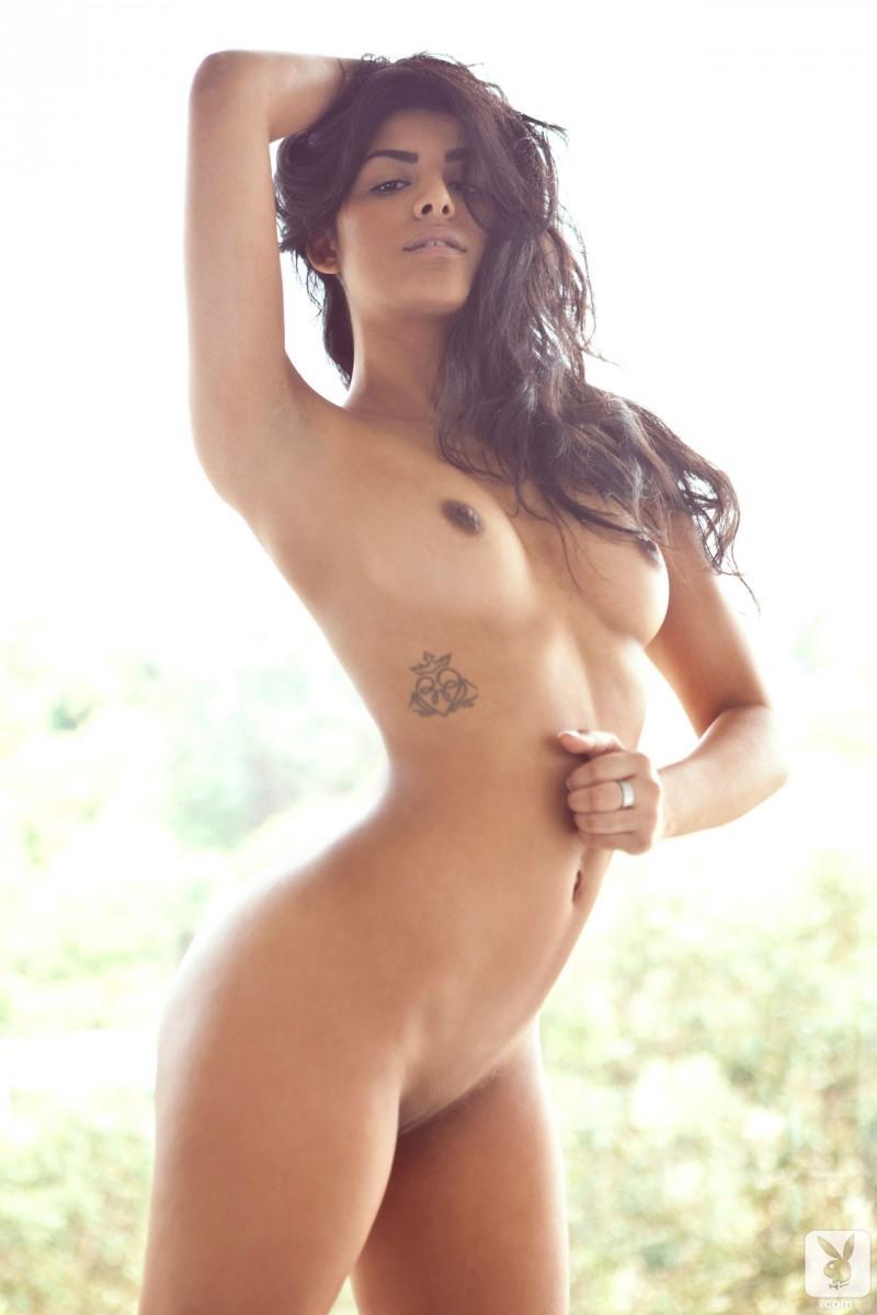 black lightskinned nude girls