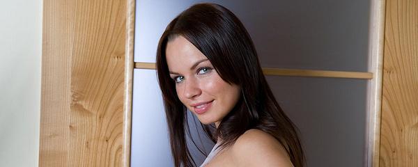 Samantha Star – Czerwone paznokcie