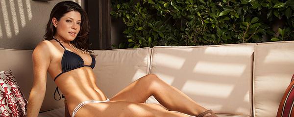 Sarah Clayton w bikini