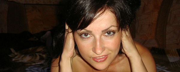 Sexy mamuśka brunetka