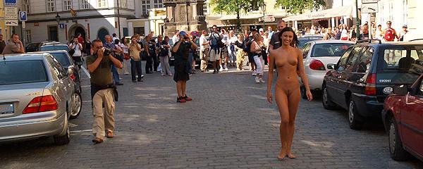 Jirina zwiedza stare miasto