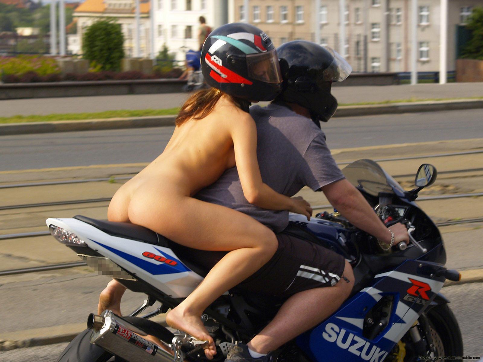 Толстуха на мотоцикле 7 фотография