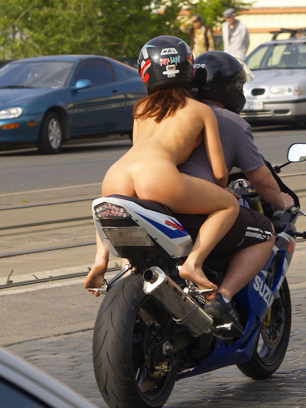 Секс с мотоциклистом 2 фотография
