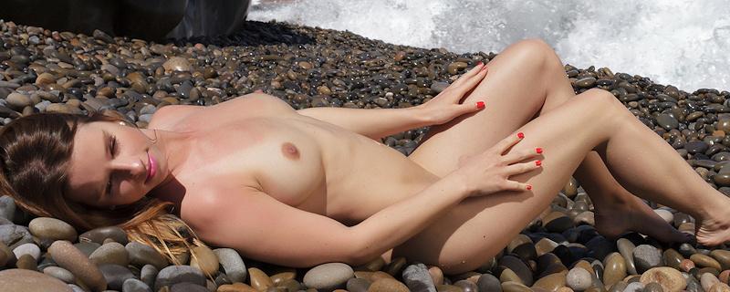 Vanessa Mio – Kamienista plaża
