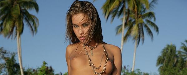 Veronika Fasterova na tropikalnej wyspie