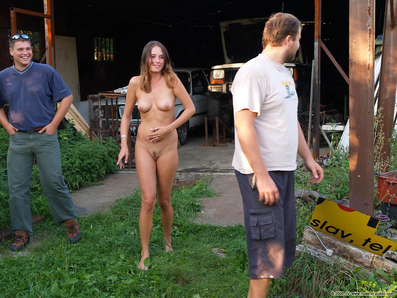 Голая Жена Перед Видео