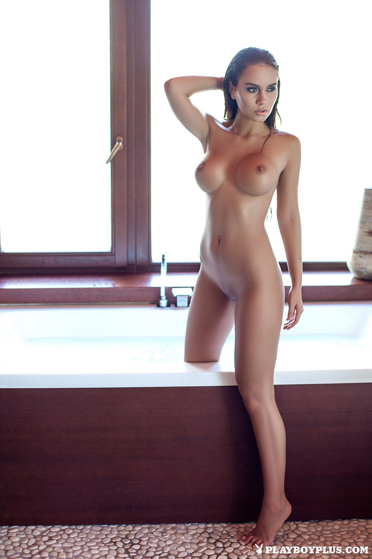 Porn clubstunning brunette pics pornos vids