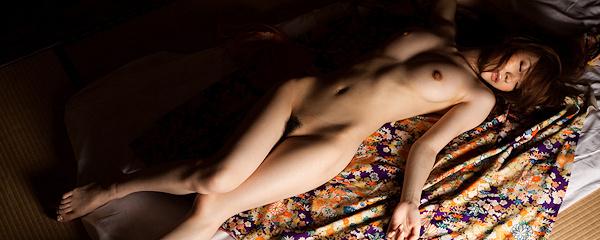 Yuria Ashina w samym kimono